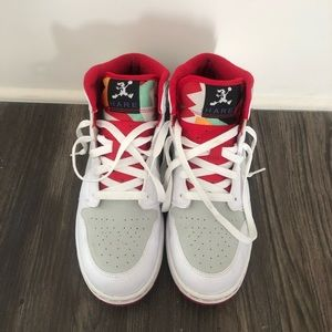 Air Jordan 1 Retro Hare - Size 7 GS/Y. Pre-owned!